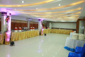 Hotel Nakshatra Inn, Szállodák  Haidarábád - big - 11