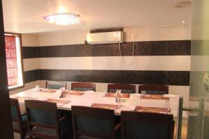 Hotel Nakshatra Inn, Szállodák  Haidarábád - big - 23