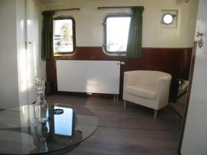 Houseboat Ms Luctor, Botely  Amsterdam - big - 38
