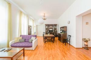Feelathome Apartments on Millionnaya