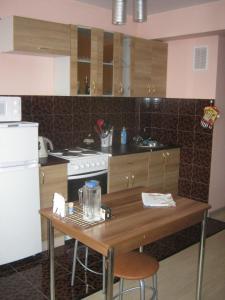 (Apartments at Ulitsa Lyzina 34)