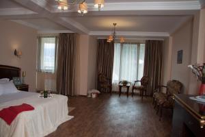 Green Hall Hotel, Hotels  Estosadok - big - 9