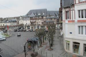Le Petit Morny, Apartmanok  Deauville - big - 2