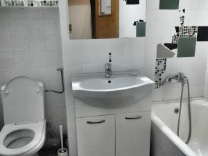 Bloc Colonadelor, Hostels  Bukarest - big - 24