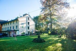 (Wald-Hotel)