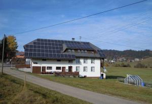 Ferienhof Kammerer, Ferienwohnungen  Ibach - big - 41