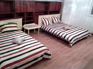 Bloc Colonadelor, Hostels  Bukarest - big - 4