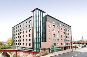 Манчестер - Premier Inn Manchester Salford Central