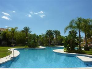 Los Senoros Tropical Paradise