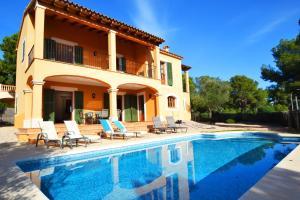 Villa Spring 1