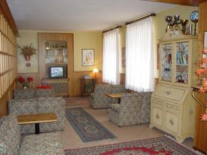 Hotel Europa, Hotely  Peio Fonti - big - 23
