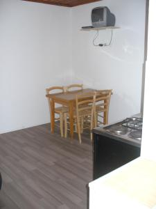 Nora Apartments, Appartamenti  Povljana - big - 4