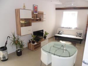 Apartment Ascic