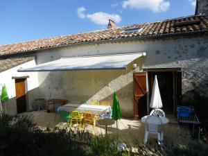 La Rouquette Marcoux, Dovolenkové domy  Beauville - big - 27