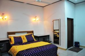 Chenang Purplish Guest Room d' Langkawi