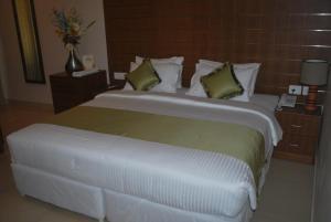 Srivar Hotels, Отели  Guruvāyūr - big - 13