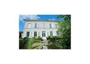 Villa in Gironde I