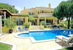 (Villa in Quinta Do Lago II)