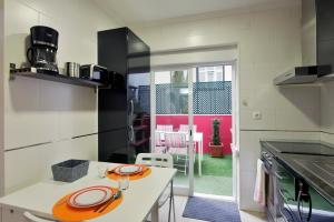 Feels Like Home Pink Terrace Flat, Apartmány  Lisabon - big - 3