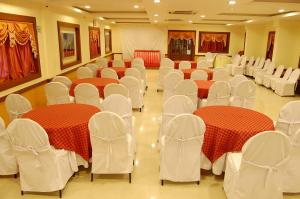 Hotel Royal Sathyam, Szállodák  Tiruccsirápalli - big - 34