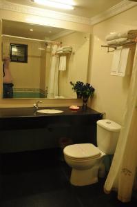 Hotel Royal Sathyam, Szállodák  Tiruccsirápalli - big - 5