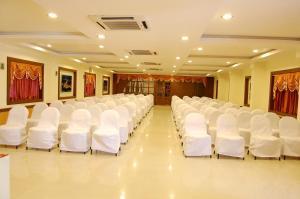 Hotel Royal Sathyam, Szállodák  Tiruccsirápalli - big - 37