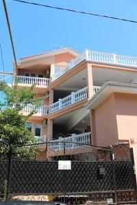 Guest House on Prosveshcheniya 36A