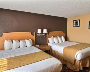 Quality Inn Hall of Fame, Hotel  Canton - big - 17