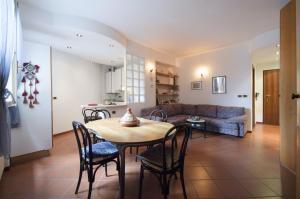 Sant'Isaia Halldis Apartment