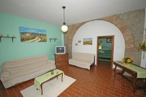 Apartment in Pomarance III
