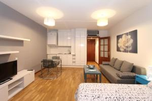 Мадрид - Apartamentos Castilla Luz 2