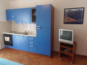 Apartment House Nono, Apartmány  Povljana - big - 3