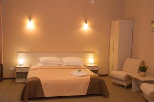 Topaz Hotel, Hotels  Kamensk-Ural'skiy - big - 3