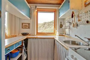 Holiday home Pandrup 623 with Terrace, Holiday homes  Rødhus - big - 2
