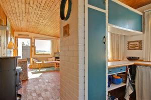 Holiday home Pandrup 623 with Terrace, Holiday homes  Rødhus - big - 9