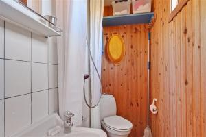 Holiday home Pandrup 623 with Terrace, Holiday homes  Rødhus - big - 8