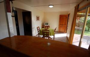 Cabañas Hinariru, Holiday homes  Hanga Roa - big - 3