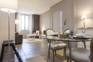 Charmants appartements centre ville, Apartmanok  Montpellier - big - 9