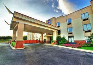 Nearby hotel : Best Western Plus Gadsden Hotel & Suites