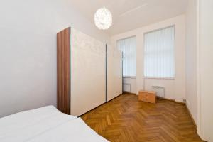 Modern apartment Ve Smeckach 7