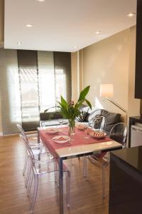 AB Apartamentos H2O, Apartmanok  Málaga - big - 1