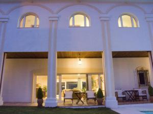 白色月亮酒店 (La Luna Blanca)