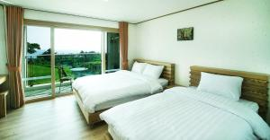 Bowhill Hostel & Pension, Resorts  Seogwipo - big - 5