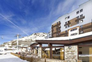 Hôtel Club MMV Les Arolles - Hotel - Val Thorens