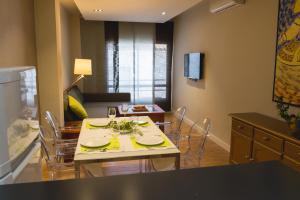 AB Apartamentos H2O, Apartmanok  Málaga - big - 40