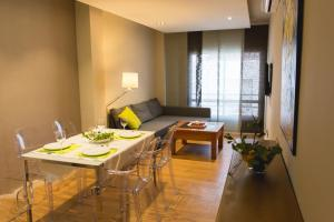 AB Apartamentos H2O, Apartmanok  Málaga - big - 27