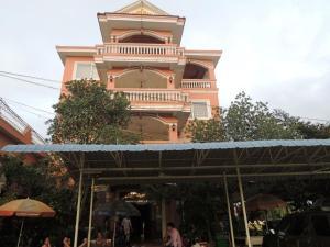 Roeung Loeung Mittapheap Restaurant & Hotel