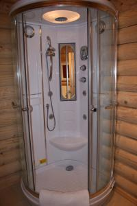 Bathroom BCC Loch Ness Log Cabins