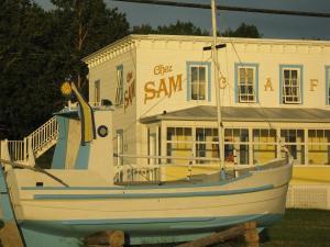 Auberge du Cafe chez Sam