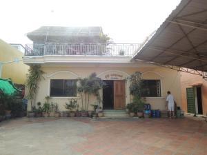 Malis Rout Guesthouse, Pensionen  Prey Veng - big - 1